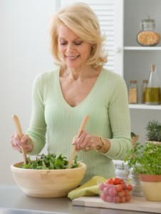 A healthy well-balanced diet that includes raw fruits and vegetables is a great basis for losing weight.